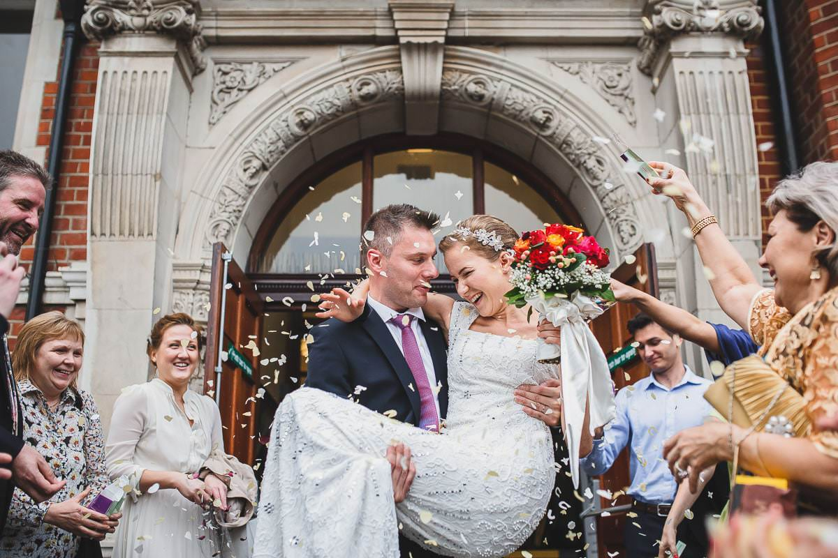 5 Reasons why you should hire professional photographer - London wedding photographer 2