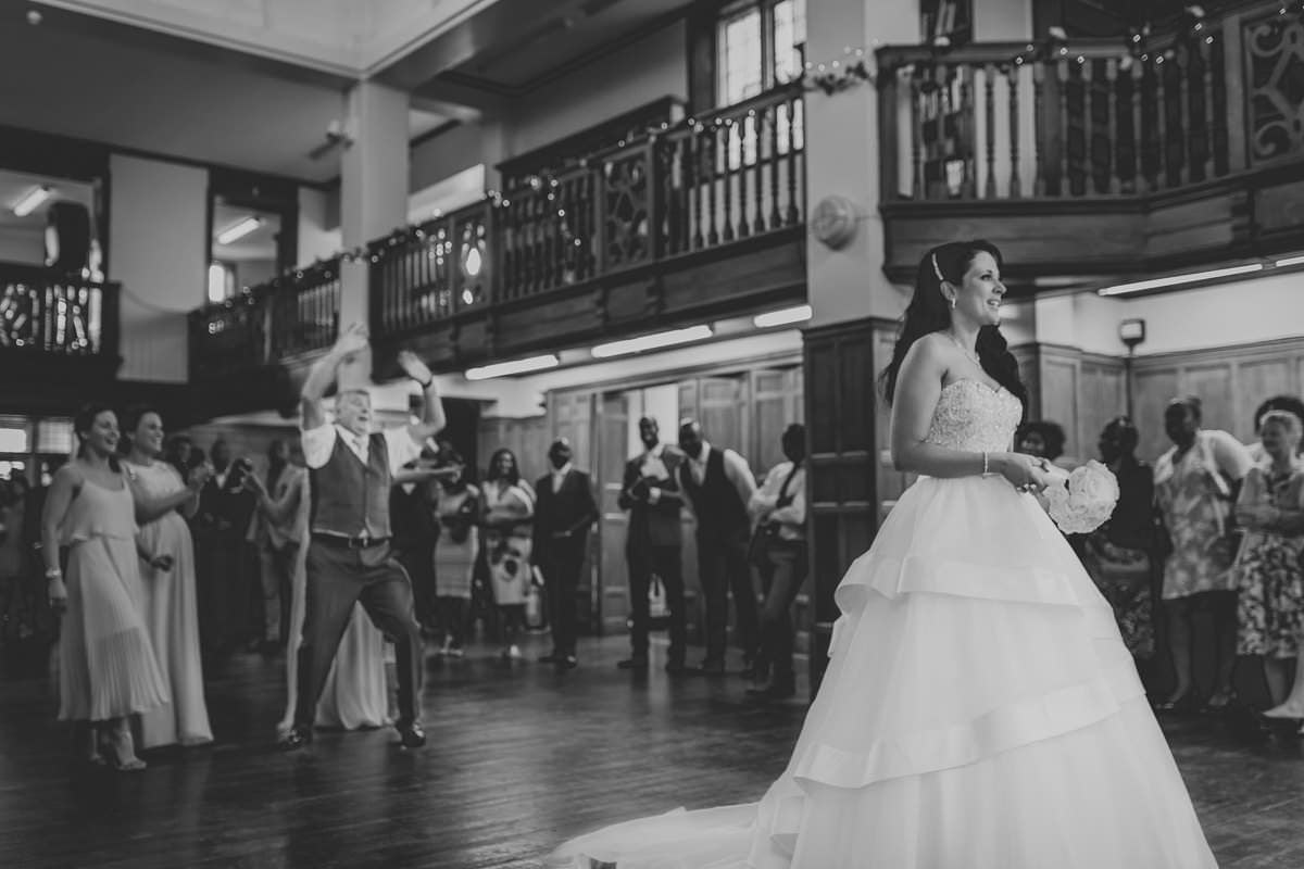 5 Reasons why you should hire professional photographer - London wedding photographer 3
