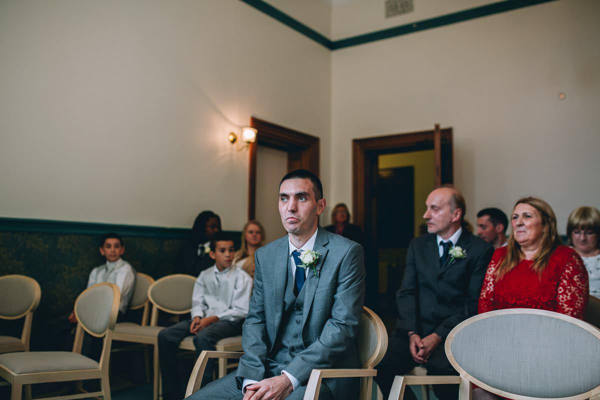 Croydon Register Office - Croydon wedding photographer 30