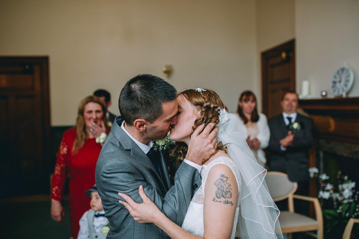 Croydon Register Office - Croydon wedding photographer 36