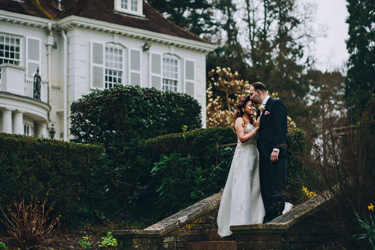 How to choose a professional wedding photographer London 5