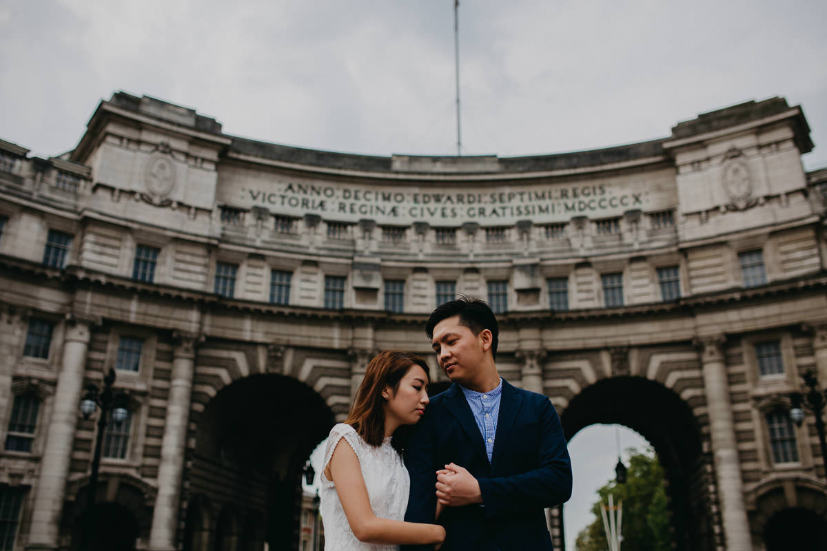 Yin & Rose - engagement shoot in London 10