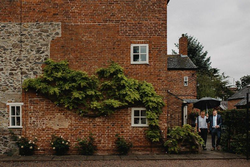 Garden wedding - Wedding photographer Nottingham 3