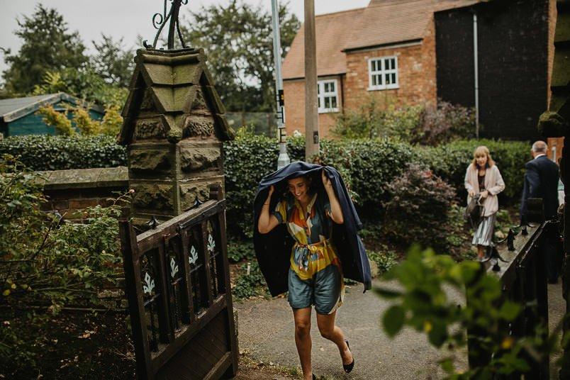 Garden wedding - Wedding photographer Nottingham 13