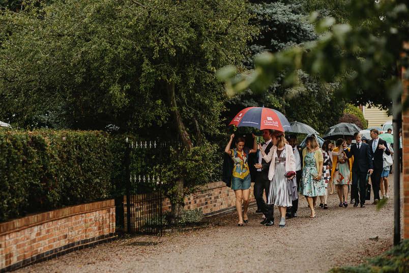 Garden wedding - Wedding photographer Nottingham 34