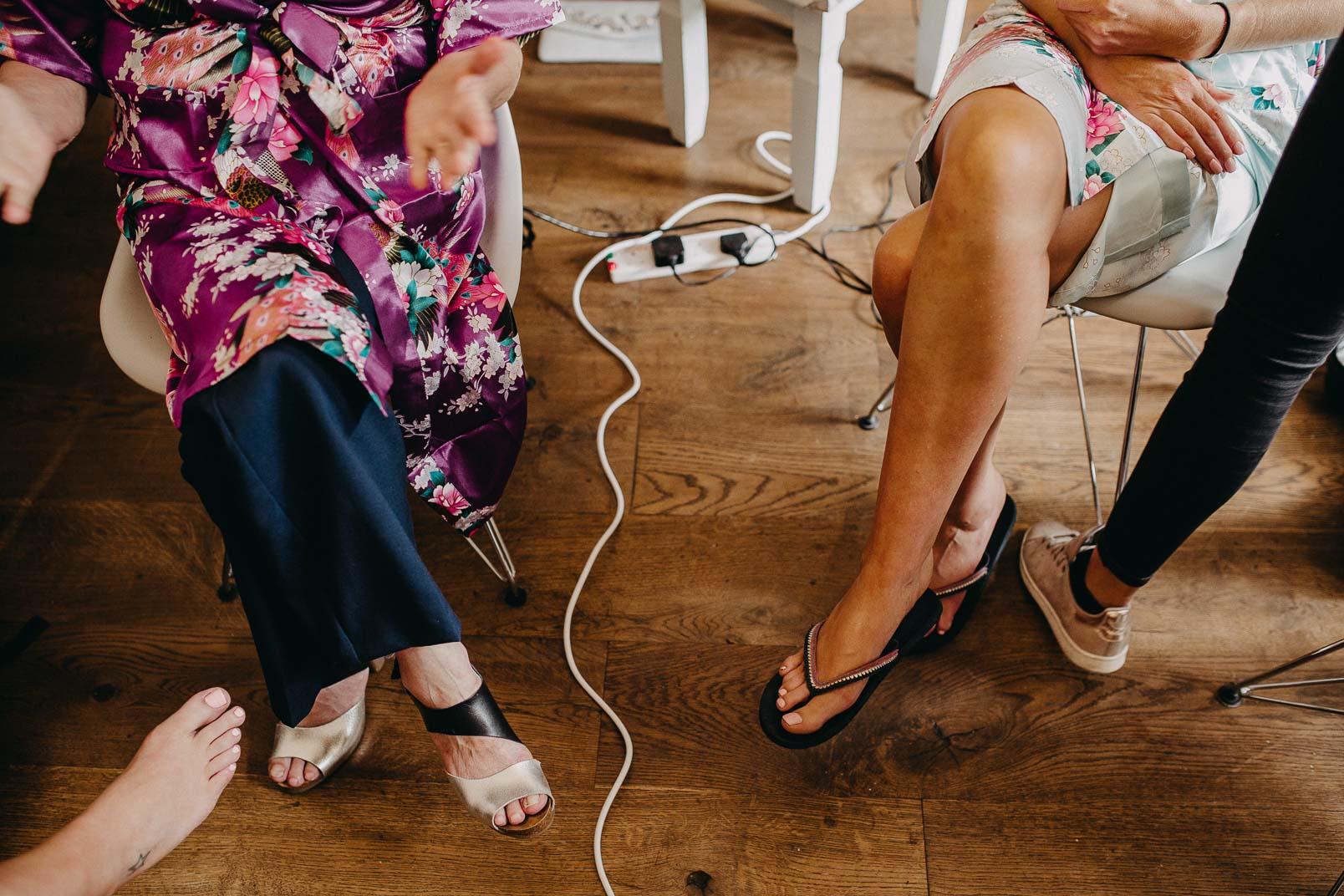 feets of bridesmaids