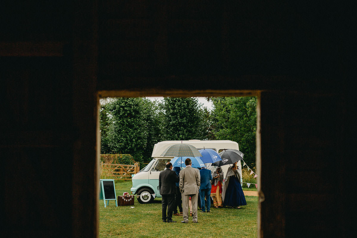 London wedding photographer coggeshall grange barn
