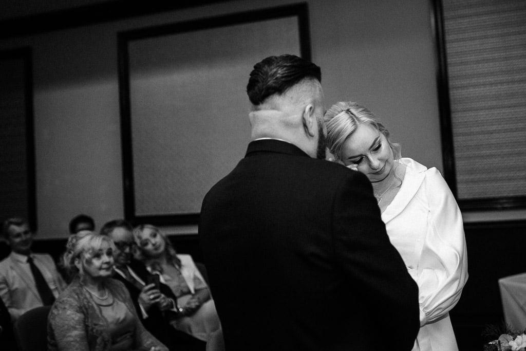 Wedding photographer Reading