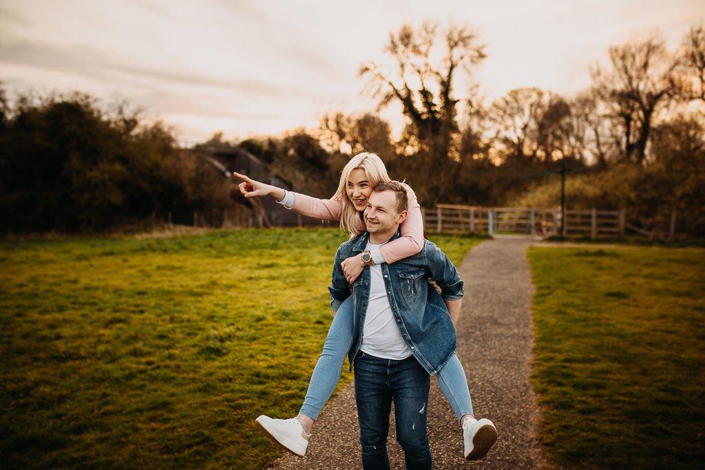 39 inspiring spring engagement photos
